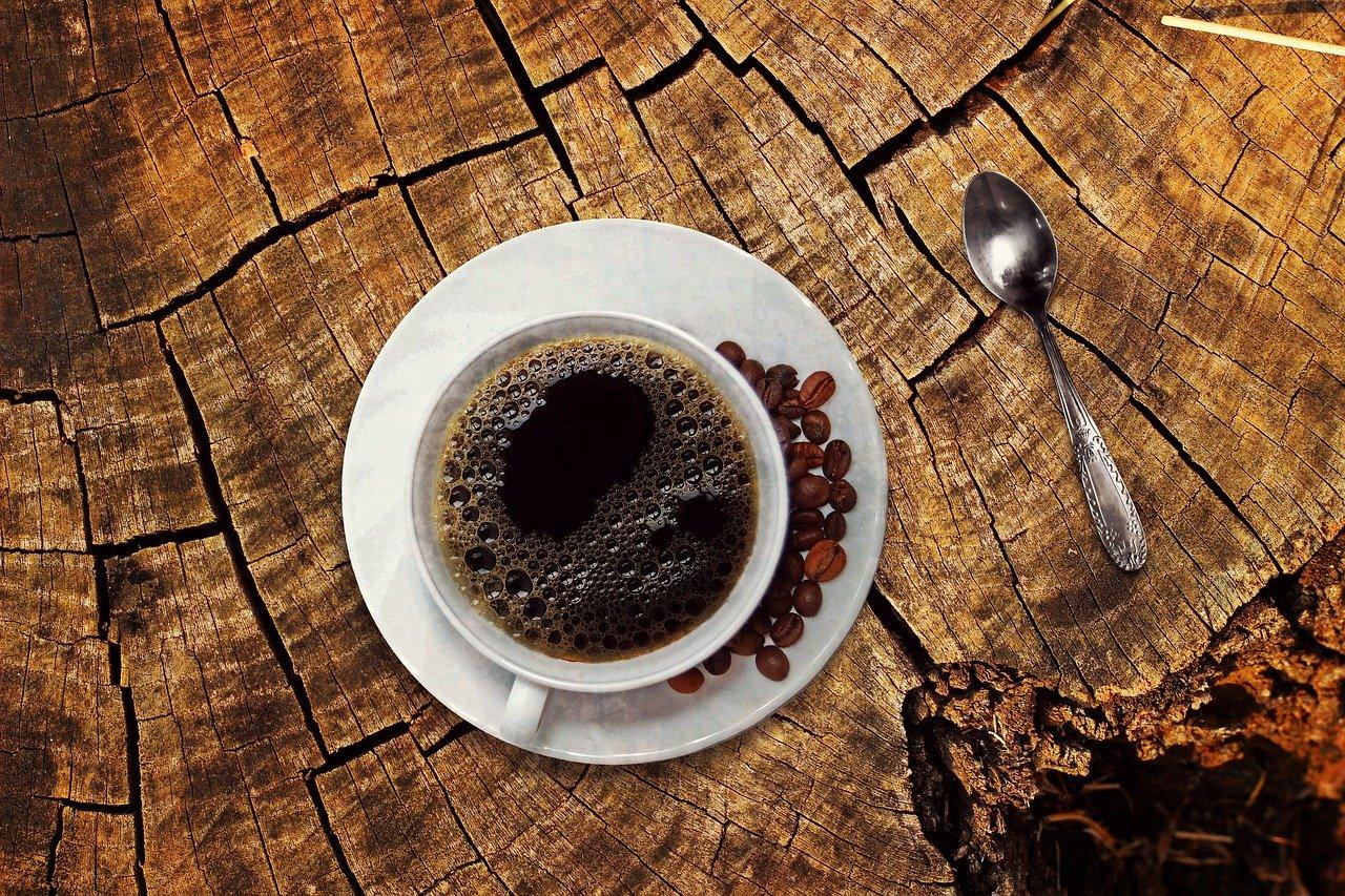 Kupowanie kawy z palarni