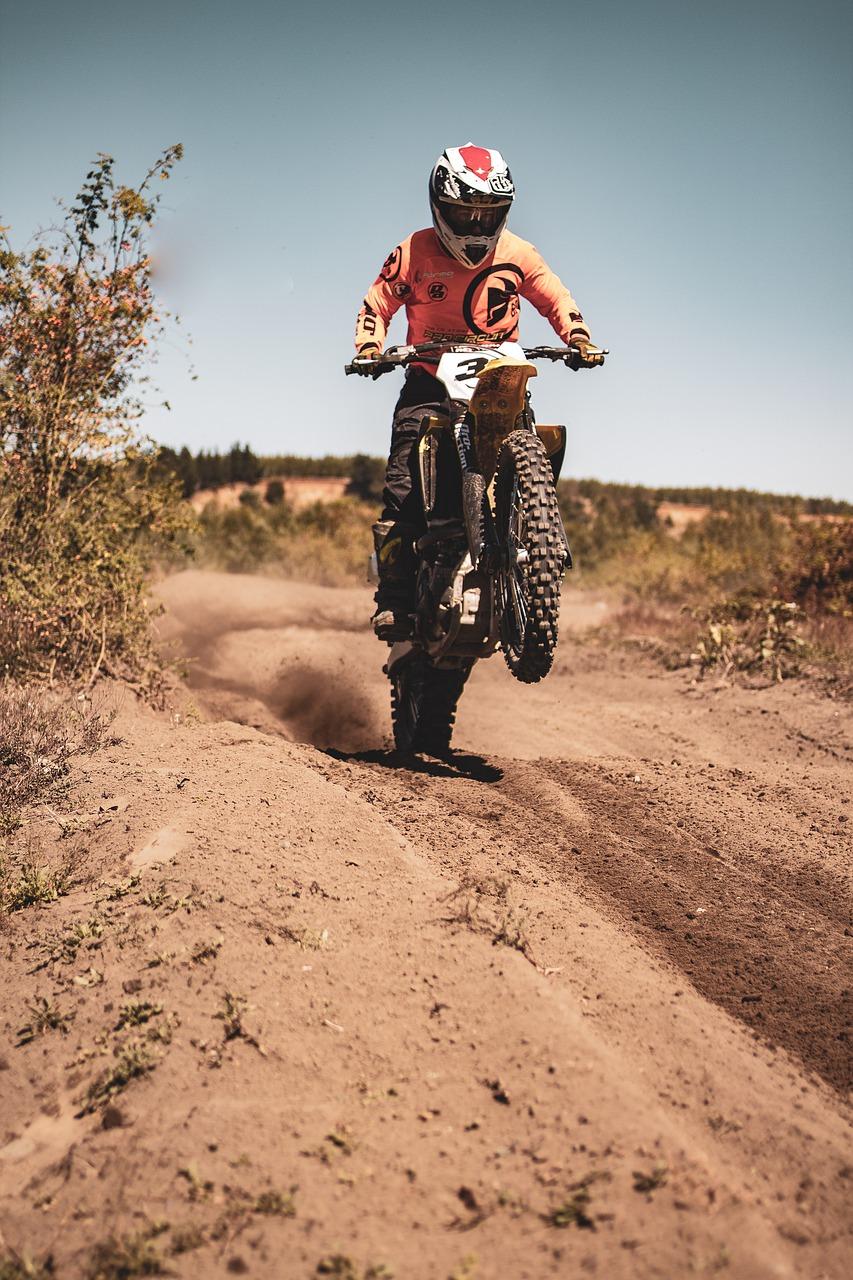 Bezpieczny strój dla motocyklisty